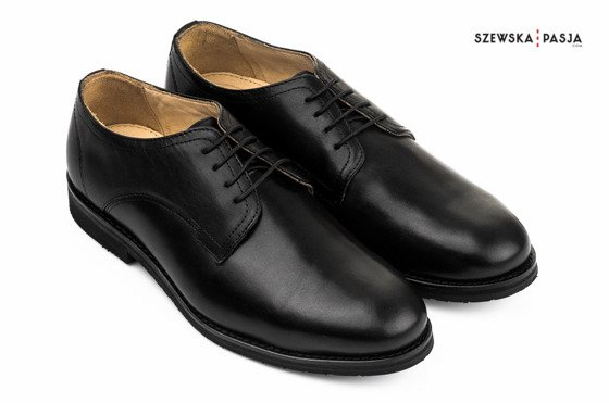 Classic shoes style - genuine leather