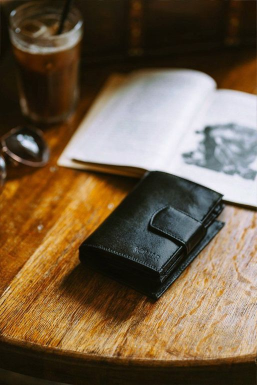 Elegant Women's leather wallet Solier P21 black RFID