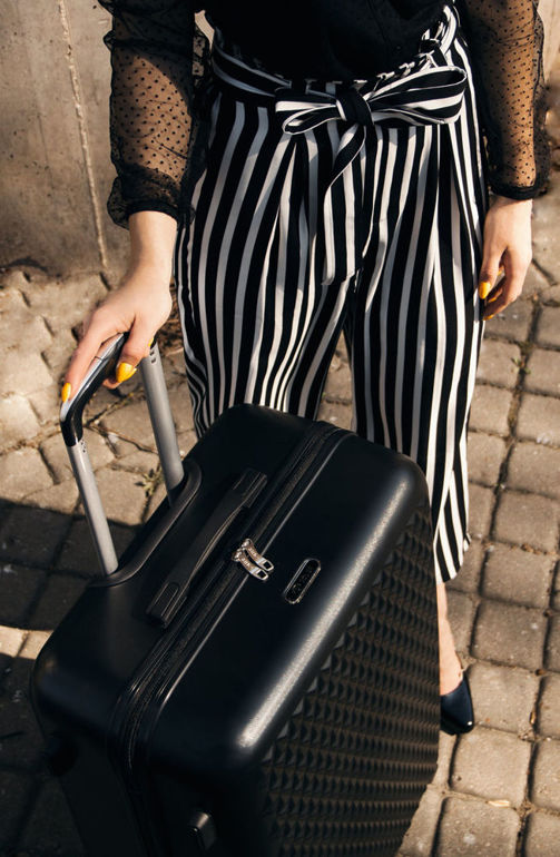 SUITCASE L | STL870 ABS BLACK